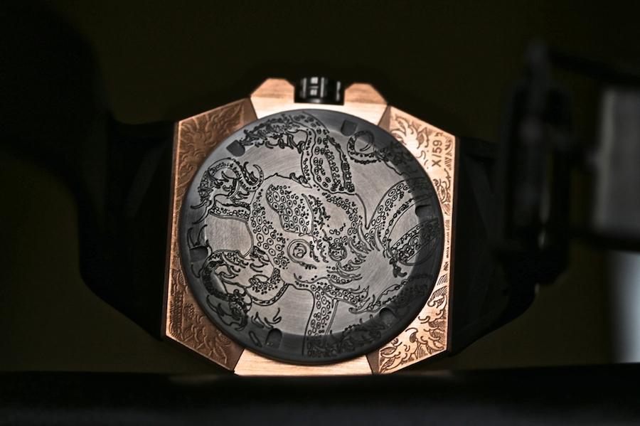 Linde Werdelin Oktopus II Moon Tattoo - Caseback
