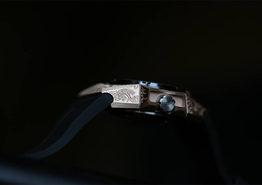Linde Werdelin Oktopus II Moon Tattoo - Side