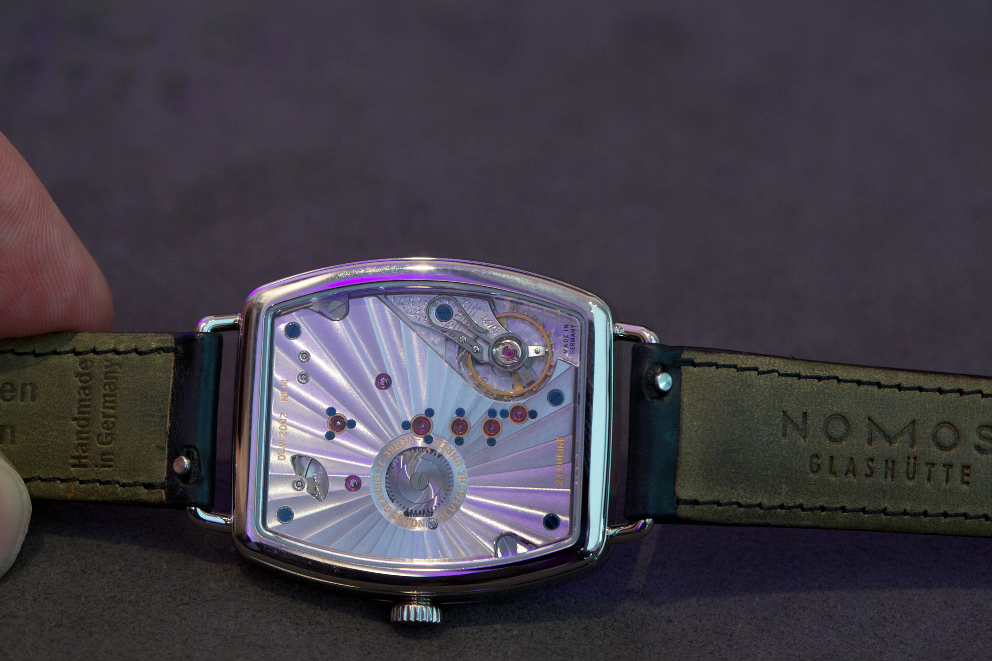 Nomos Glashuette Lux Weissgold - Movement