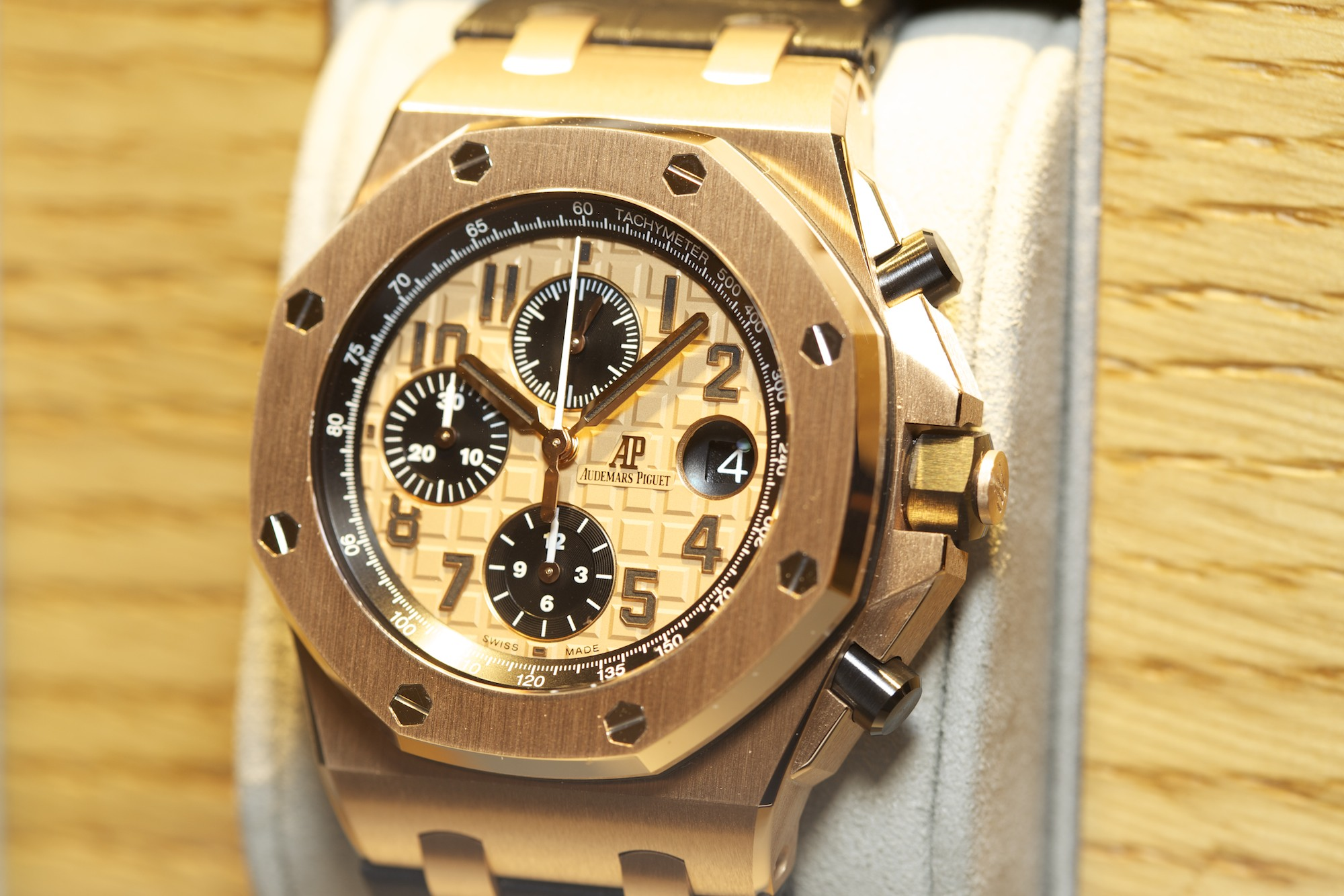 Audemars Piguet Royal Oak Offshore Chronograph - Gold