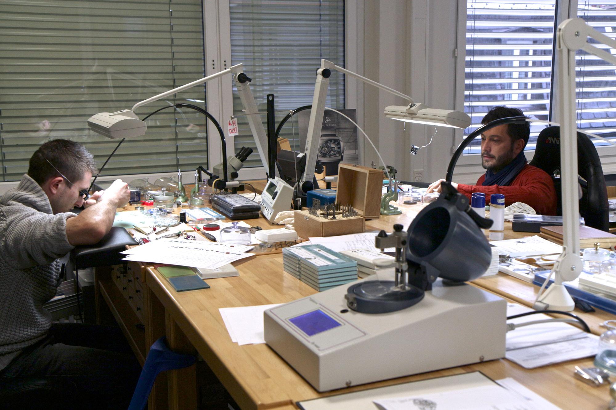 Hautlence Factory Visit : Hautlence's Watchmaker