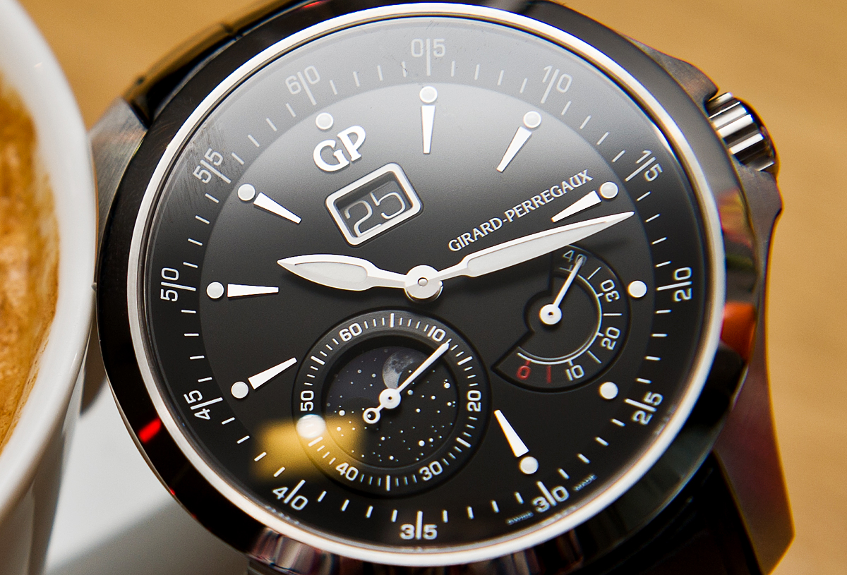 Girard-Perregaux Traveller Moon Phase and Large Date - Dial