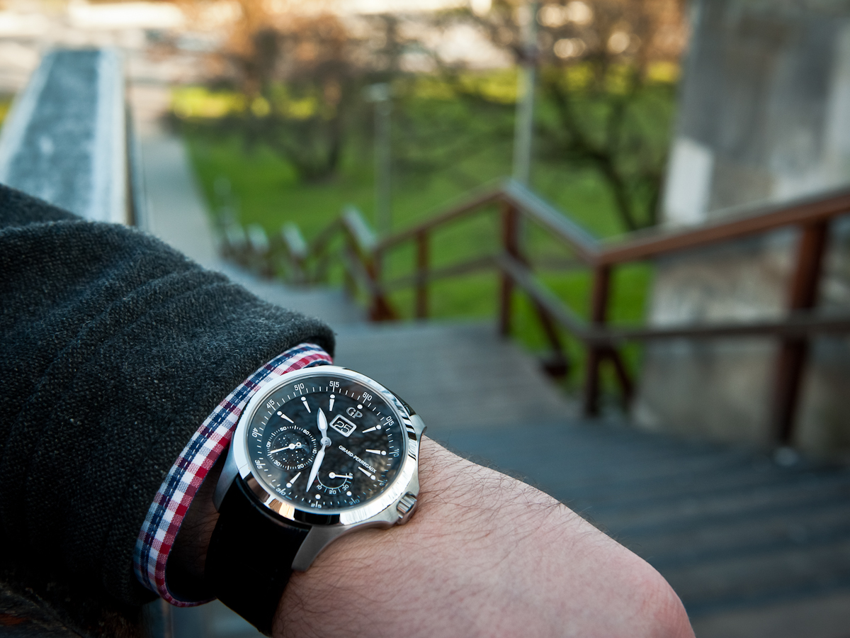 Girard-Perregaux Traveller Moon Phase and Large Date - Wristshot
