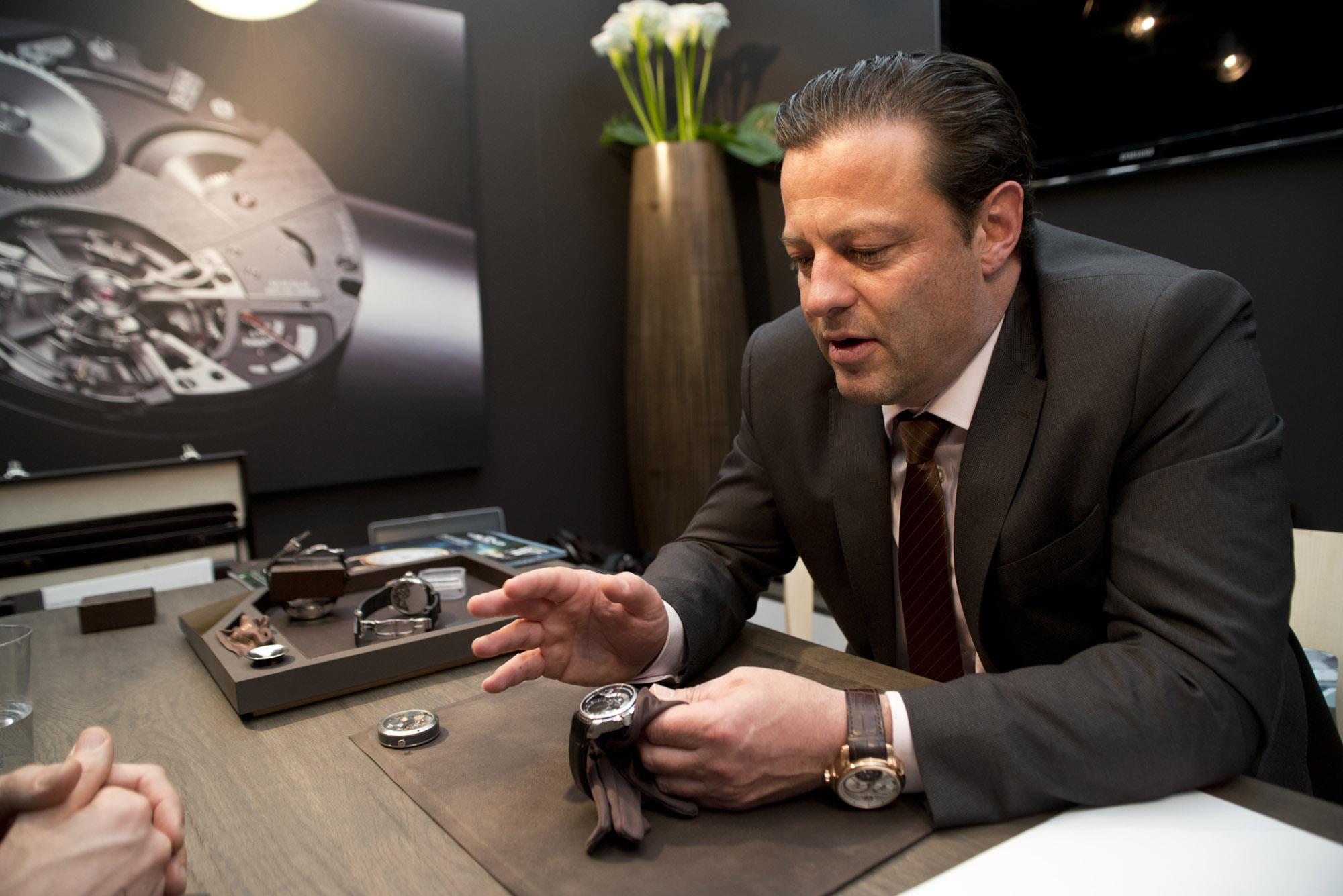 Antoine Martin CEO Bruno Jufer explaining the Slow Runner