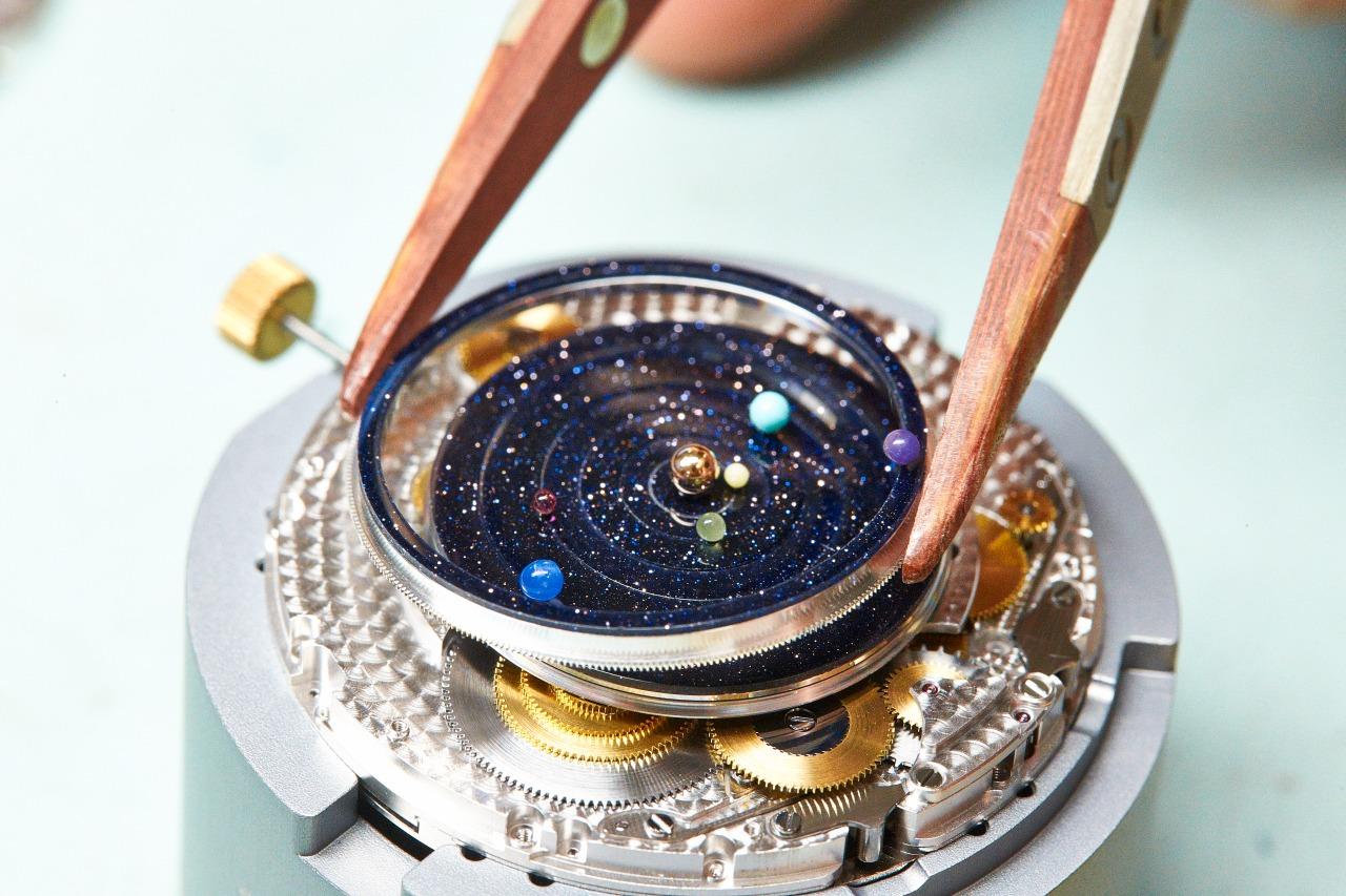 Van Cleef & Arpels - Midnight Planetarium (Savoire Faire)