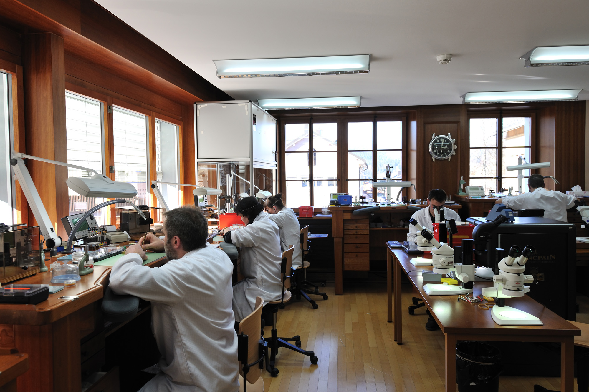 Blancpain Manufacture - Atelier Assemblage