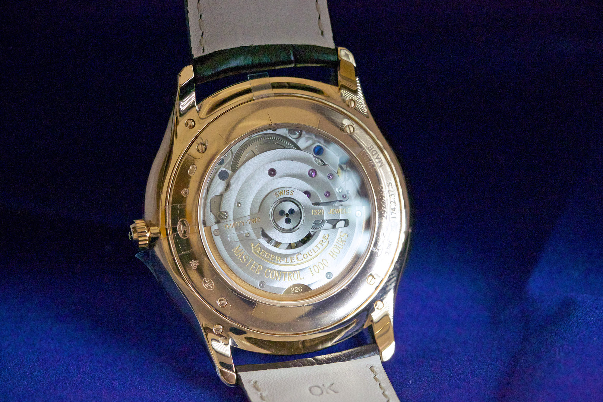 Jaeger-LeCoultre Master Ultra Thin Date - Caseback