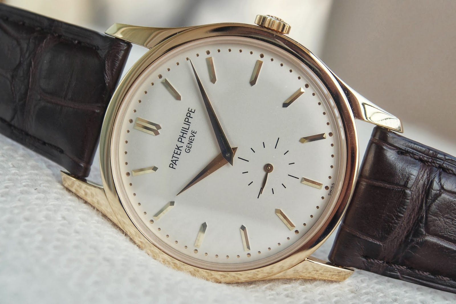 Patek Philippe Calatrava Ref. 5196J-001 (Yellow Gold)