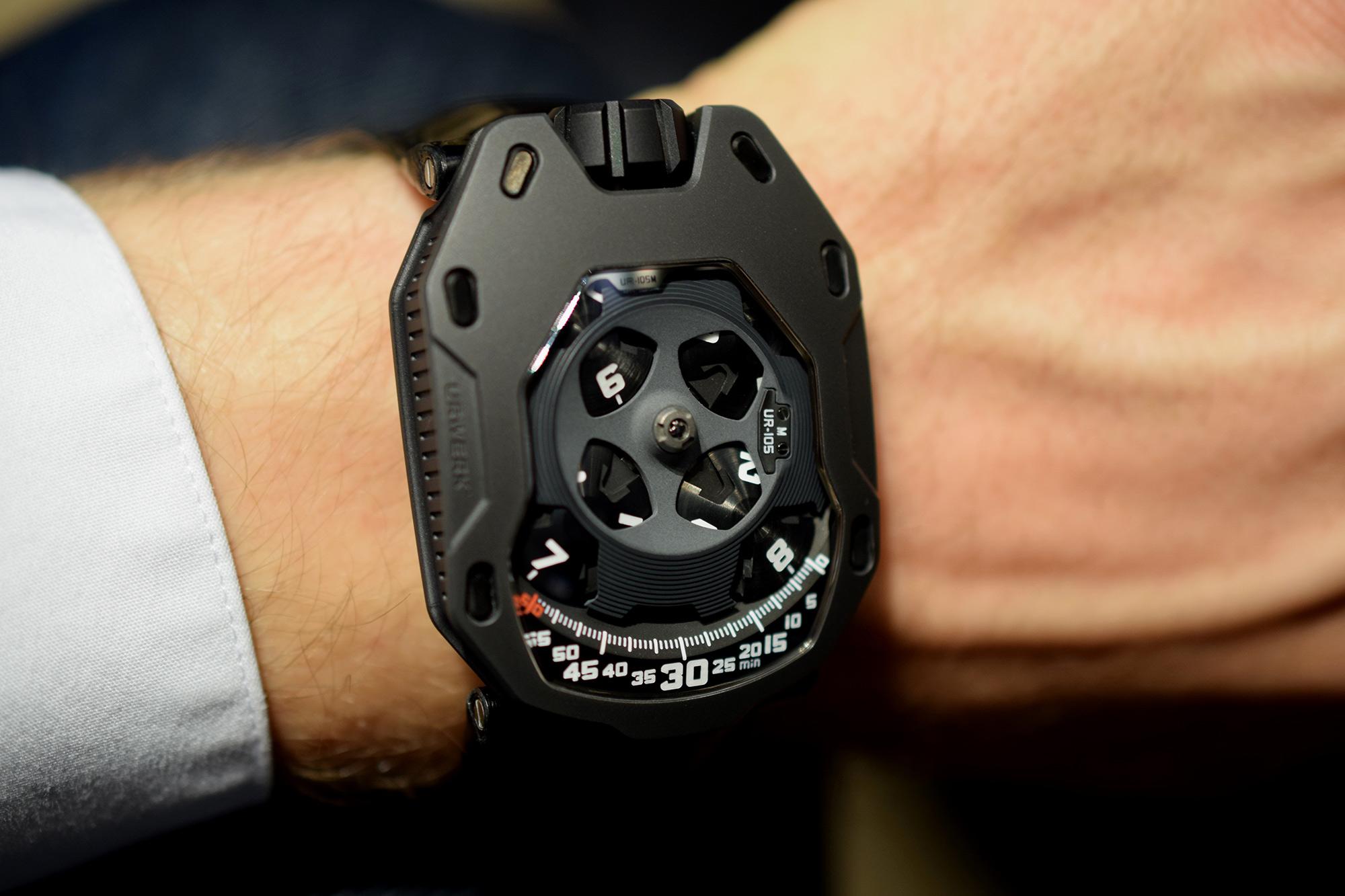 Urwerk UR-105 Dark Knight - Wristshot