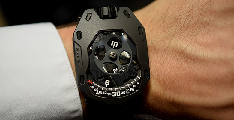 "Urwerk UR-105 ""Dark Knight"" Hands-On Review"